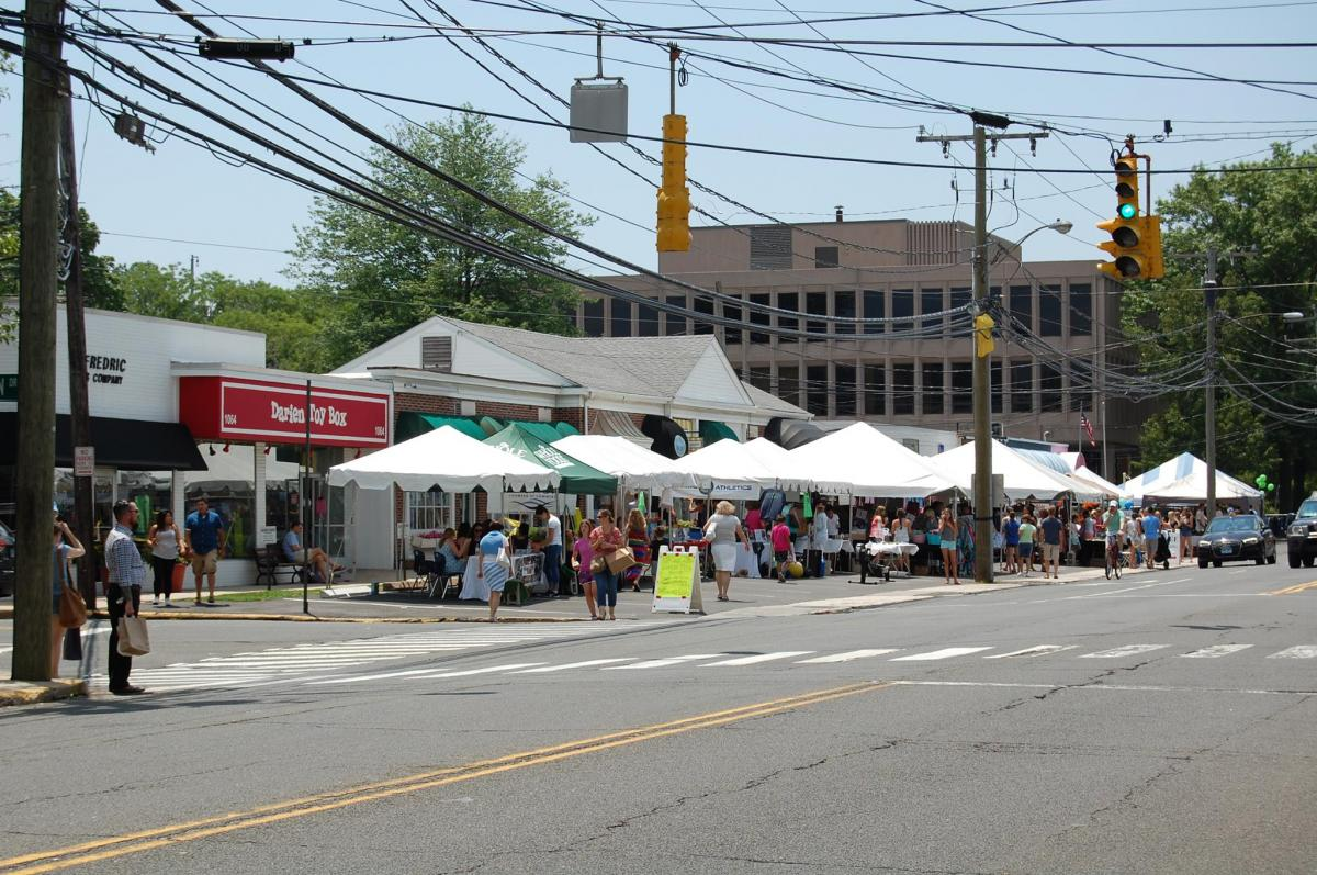 Darien-Sidewalk-Sales-STreet-photo