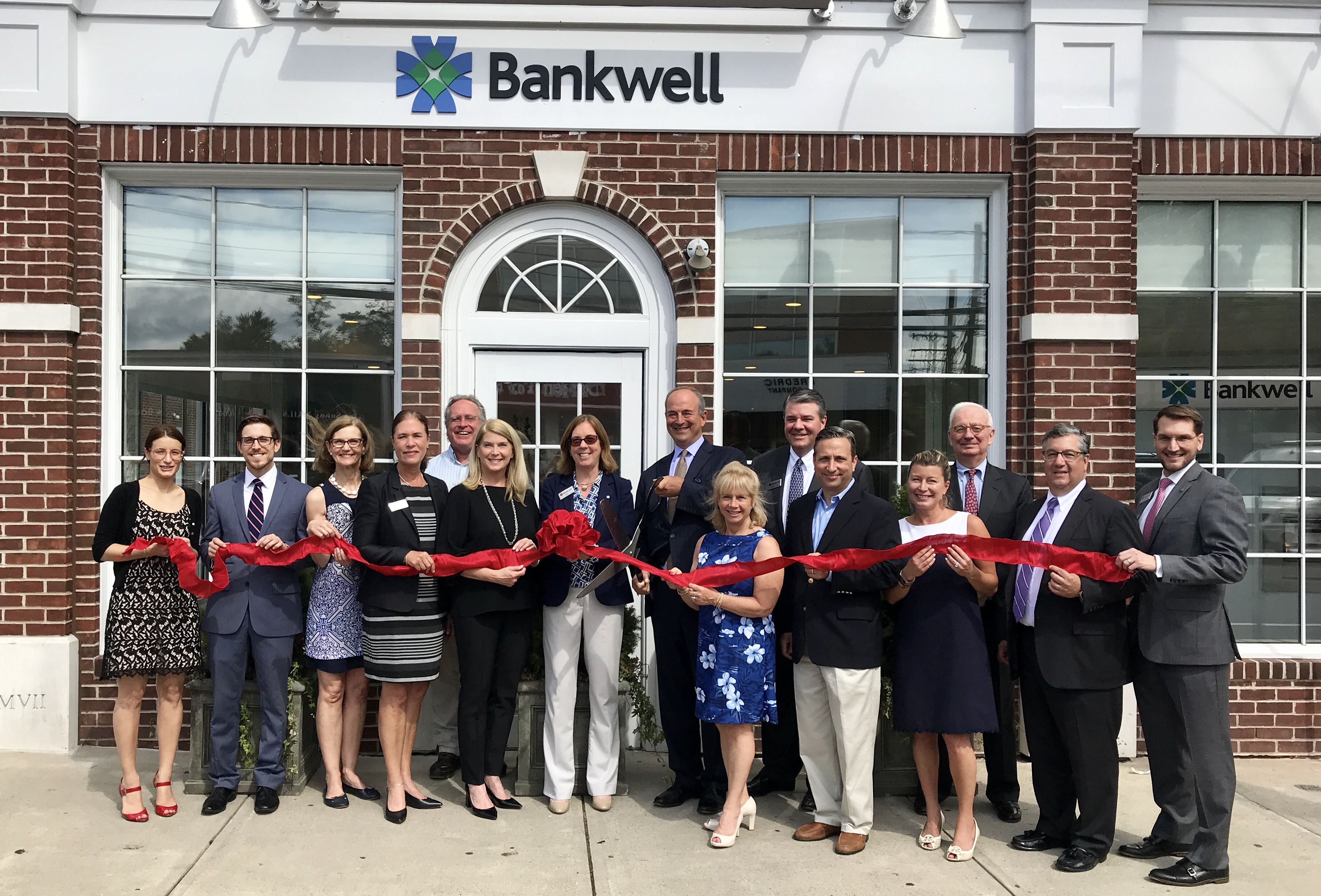 Bankwell-ribbon-cutting